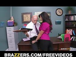 Big-tit MILF Lisa Ann Is slammed on her boss's desk