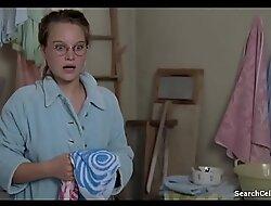 Sonja Gerhardt Emilia Schuele Damm S01E03 2016