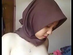 Indonesian Malay Hijabi Horny 01